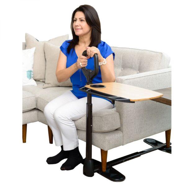Uppresningsstöd med justerbart brickbord för soffa eller fåtölj